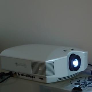 ソニー(SONY)の3Dメガネ4個付き 中古 ソニー VPL-HW50ES ビデオ プロジェクター(プロジェクター)