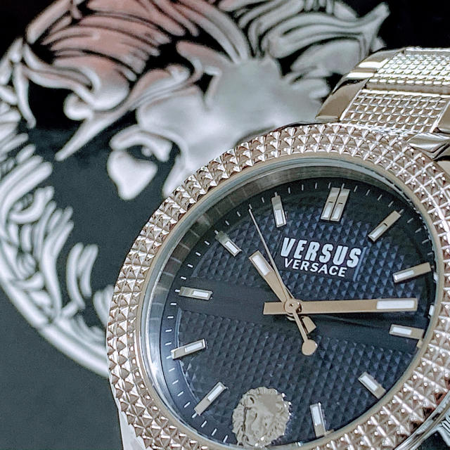 Gianni Versace - ◆激レア◆世界限定品◆新品 高級VERSUS VERSACE 腕時計 ネイビーの通販