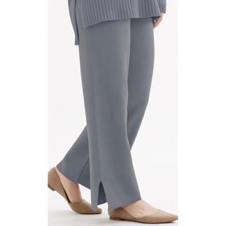 ジーユー(GU)の【新品・未使用】ワイドストレートニットパンツ ブルー XL ズボン (カジュアルパンツ)