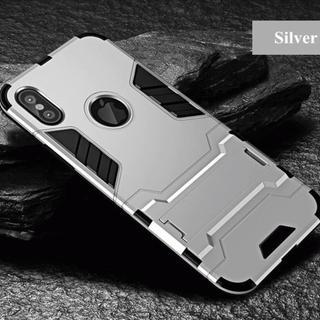 【大人気商品!】耐衝撃に特化したシルバーの高級スマホケース 【新品】