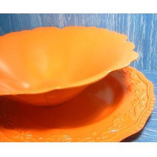 フェリシモ(FELISSIMO)のメラミン フラワーレリーフ サラダボウル&プレート オレンジ(食器)