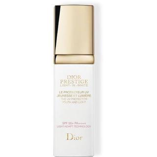 ディオール(Dior)のdior プレステージ ホワイト ル プロテクター ルミエール UV(BBクリーム)