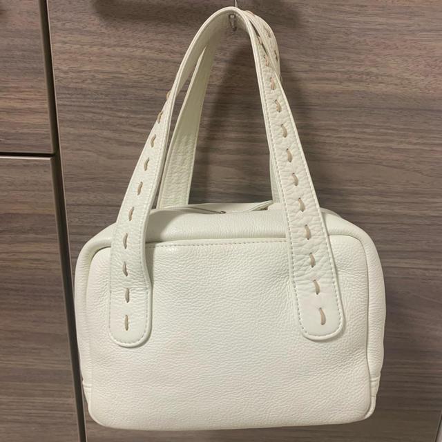濱野皮革工藝/HAMANO(ハマノヒカクコウゲイ)の皇室御用達 濱野バッグ キューブ型バッグ ホワイト レディースのバッグ(ハンドバッグ)の商品写真