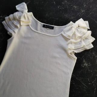 エムズグレイシー(M'S GRACY)のエムズグレイシー リボン カットソー 肩リボン 袖リボン  袖フリル(カットソー(半袖/袖なし))