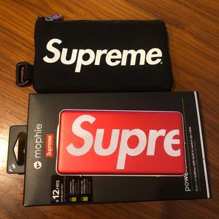 シュプリーム(Supreme)のmophie + mobile pouch/supreme(バッテリー/充電器)