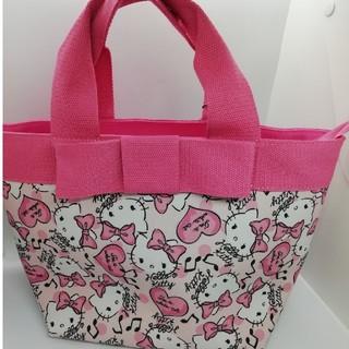 サンリオ(サンリオ)のハローキティ ピンクキティ 布製 ハンドバッグ チャーム付き(ハンドバッグ)