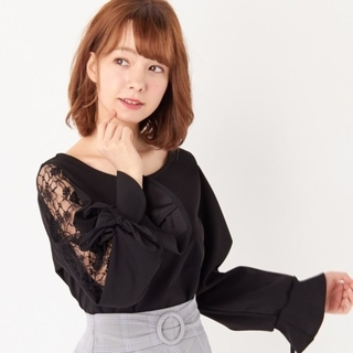 INGNI - ♡週末限定価格♡INGNI♡梨地キャンディースリーブ肩レーストップス♡
