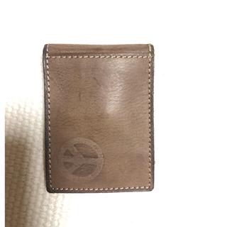 フォッシル(FOSSIL)の【新品 未使用】fosiil 本革 カード入れ+マネークリップ付き(折り財布)
