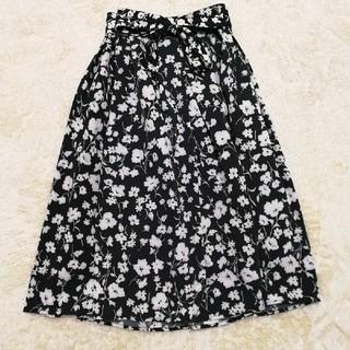 GU - ウエストリボン花柄タックフレアスカート!