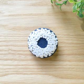 刺繍ブローチ  白ラメリース*(コサージュ/ブローチ)