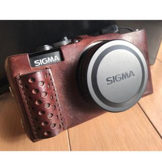 シグマ(SIGMA)のSIGMA DP1x 中古/専用革製ボディスーツ/新品リチウム充電池付き(コンパクトデジタルカメラ)