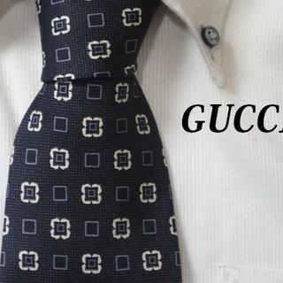 Gucci - 極美品★グッチ★GUCCI★【GGロゴ入り小紋柄】高級ネクタイ★