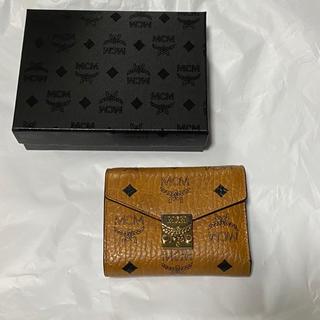 エムシーエム(MCM)のmcm  三つ折り 財布(折り財布)