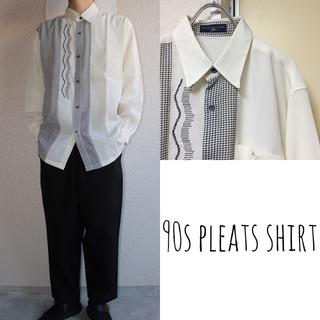 イッセイミヤケ(ISSEY MIYAKE)の90s デザイン古着 プリーツシャツ 総柄 レトロ 奇抜派手個性派 白 メンズ(シャツ)