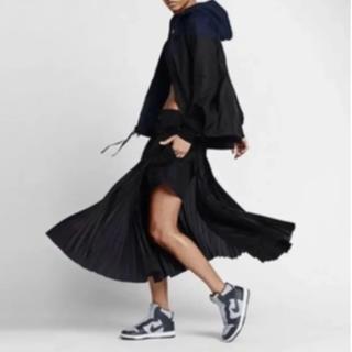 サカイ(sacai)のNike Sacai コラボプリーツスカート サイズM(ひざ丈スカート)