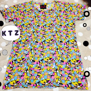 ココントーザイ(Kokon to zai (KTZ))のKTZキャンディー総柄Tシャツ(Tシャツ/カットソー(半袖/袖なし))