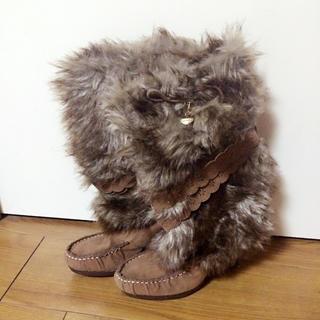 リズリサ(LIZ LISA)のファーブーツ(ブーツ)