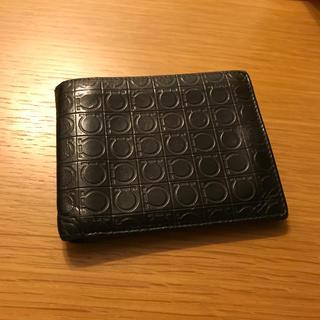 サルヴァトーレフェラガモ(Salvatore Ferragamo)の二つ折り財布(折り財布)