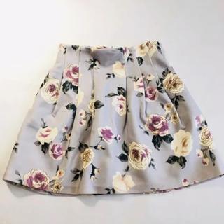 ダズリン(dazzlin)の花柄スカート(ミニスカート)