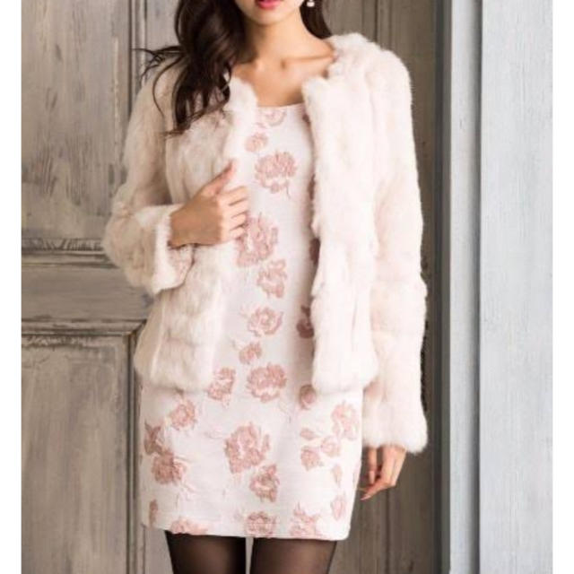 rienda(リエンダ)のrienda♡ノーカラーラビットファーショートコート レディースのジャケット/アウター(毛皮/ファーコート)の商品写真