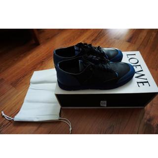 ロエベ(LOEWE)の美品 Loewe ロエベ スニーカー 44 箱保護袋付き ブラック ロゴ(スニーカー)