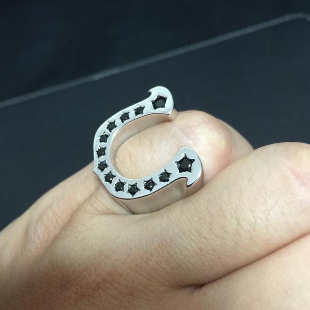 新品!シルバーホースシューリング 登坂 メンズのアクセサリー(リング(指輪))の商品写真