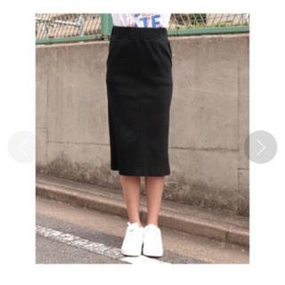 アナップ(ANAP)のシンプルリブナロースカート(ひざ丈スカート)