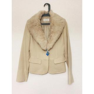 エニィスィス(anySiS)の100%毛ジャケット 生成り ラビットファー襟付き(テーラードジャケット)