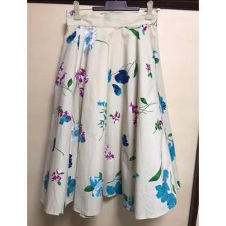 アクアガール(aquagirl)の新品 クリーム色 花柄 スカート AGアクアガール 店舗完売 レア 春服 可愛い(ひざ丈スカート)