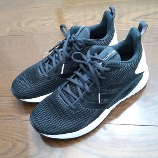 アディダス(adidas)のアディダス スニーカー  questarCC 新品 黒 25cm(スニーカー)