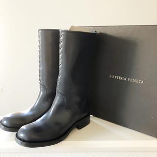 ボッテガヴェネタ(Bottega Veneta)のボッテガヴェネタ ミディアム ブーツ ネイビー 紺 37 イントレッチオ(ブーツ)