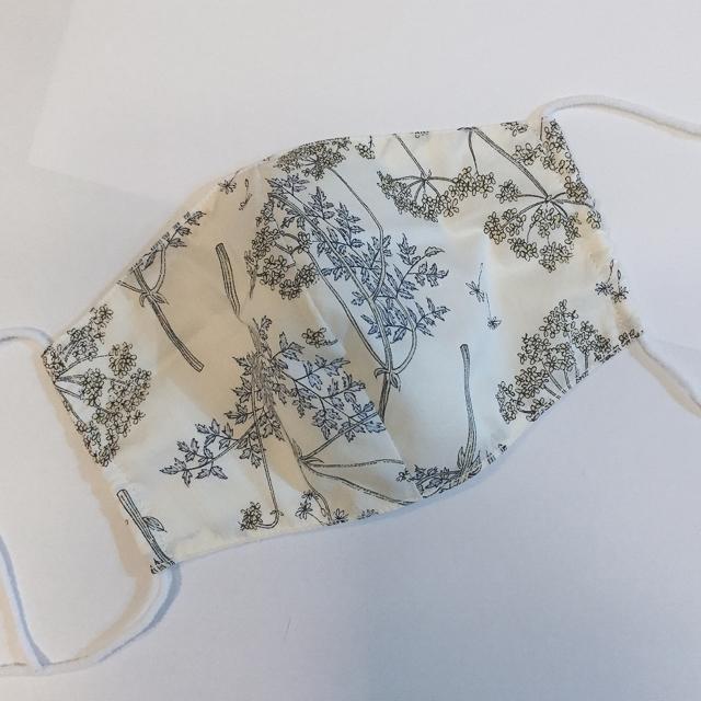 9913 マスク 、 7リバティ♡白ガーゼ 布マスクの通販