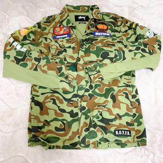 ステューシー(STUSSY)のstussy × unionコラボカモフラシャツ(ミリタリージャケット)