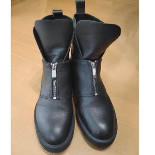 ザラ(ZARA)のZARA ブラックレザー ショートブーツ 40インチ(ブーツ)