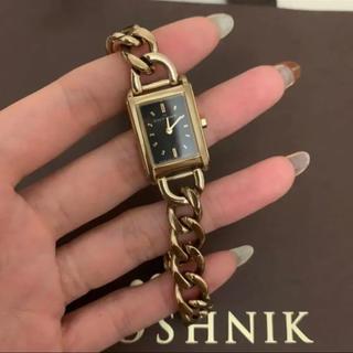 ココシュニック(COCOSHNIK)のcocoshnik 時計 スクエアチェーンベルトウォッチ ブラック(腕時計)