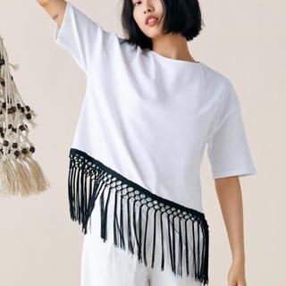 ザラ(ZARA)の!保留中! ZARA フリンジ付きTシャツ カットソー (カットソー(半袖/袖なし))