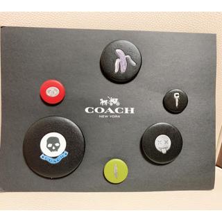 コーチ(COACH)のcoach レザー バッチ loversshop様(バッジ/ピンバッジ)