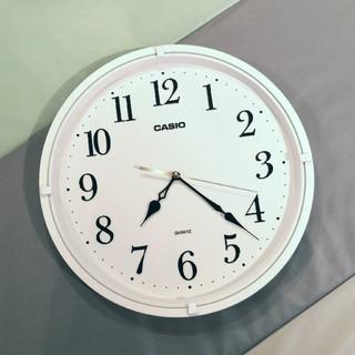 カシオ(CASIO)の【超美品】時計★壁掛け★CASIO(カシオ)スムーズ秒針 ★シンプル(掛時計/柱時計)