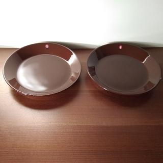 イッタラ(iittala)のリサ様専用Iittala TEEMA イッタラ ティーマ 中皿 ブラウン 2枚 (食器)