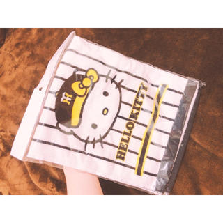 ハンシンタイガース(阪神タイガース)の新品✨未開封!ハローキティ✖️阪神タイガースマフラータオル🍀(タオル/バス用品)