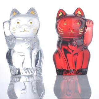 バカラ(Baccarat)のバカラ 招き猫 クリア レッド 座布団付き baccarat(置物)