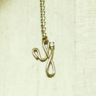 ココシュニック(COCOSHNIK)の【SALE】セイレーンアズーロ K10YG イニシャルダイヤモンドネックレス(ネックレス)