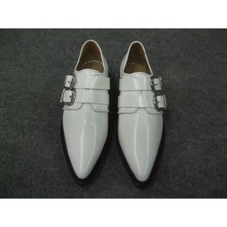トーガ(TOGA)のTOGAトーガ新品Double buckle shoes White/37.5(ローファー/革靴)