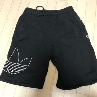 アディダス(adidas)のadidas(ショートパンツ)