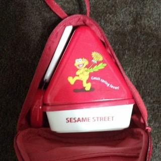 セサミストリート(SESAME STREET)の【ミスタードーナツ】セサミストリートランチ ボックス(弁当用品)