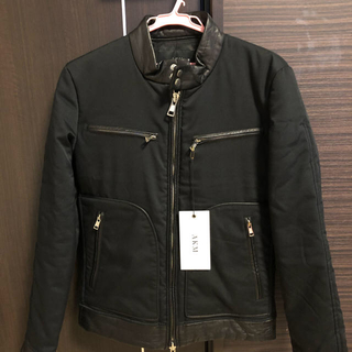 エイケイエム(AKM)のAKM ライダースジャケット 定価95000円 羊革ラムレザー切替 裏カモ柄 (ライダースジャケット)
