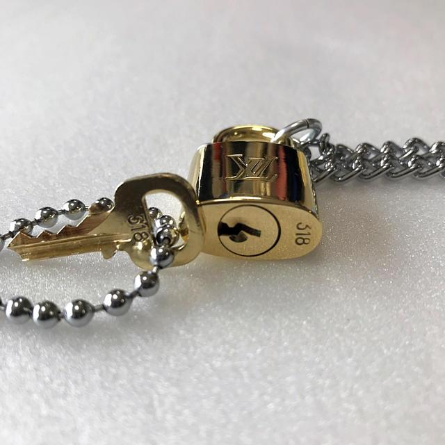 LOUIS VUITTON(ルイヴィトン)のLOUISVUITTON パドロック カデナ 南京錠 鍵有り  318  メンズのアクセサリー(ネックレス)の商品写真