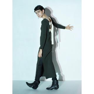 アメリヴィンテージ(Ameri VINTAGE)のLeinwande ラインヴァンド バッグベルトニットドレス カーキ(ニット/セーター)