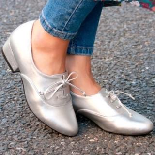 サルース(salus)の【新品未使用】salus ローヒールオックスフォードパンプス シルバー(ローファー/革靴)