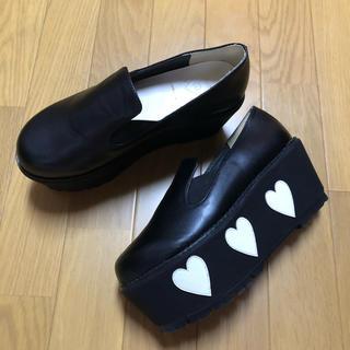 メリージェニー(merry jenny)のメリージェニー ハート 厚底 スリッポン (ローファー/革靴)
